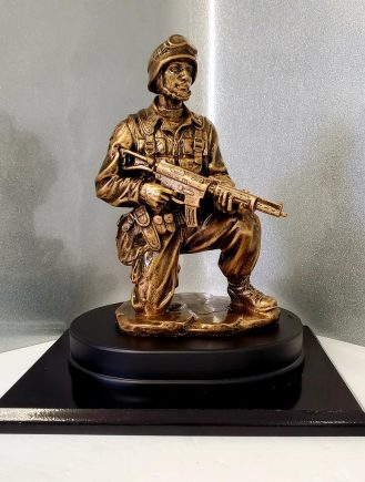 Kneeling Soldier Trophy